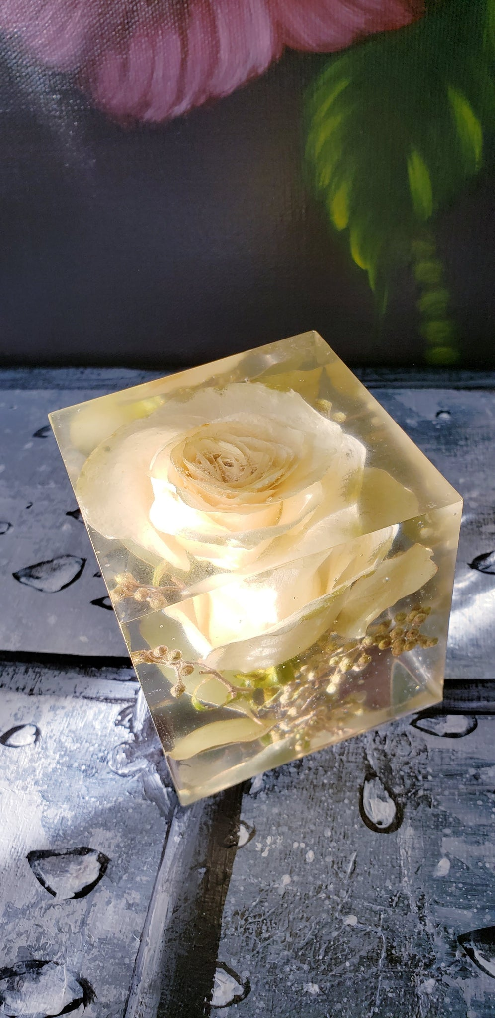 Preserving Wedding Flowers In Large Resin Cube Like Glass