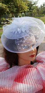 White Wedding Church  Party Fascinator Hat.Feather Bridal Wedding Hair Clip Head Accessory. Bridal Derby Fascinator hat.Headpiece