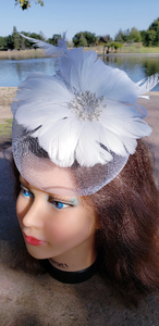 White Wedding Church Party Fascinator Hat.Costume Bridal Veil Wedding Hair Clip Head Accessory.White Funeral Derby Fascinator hat.Headpiece