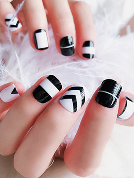 LaceShe Unique Style White And Black Full Fake Nails Set