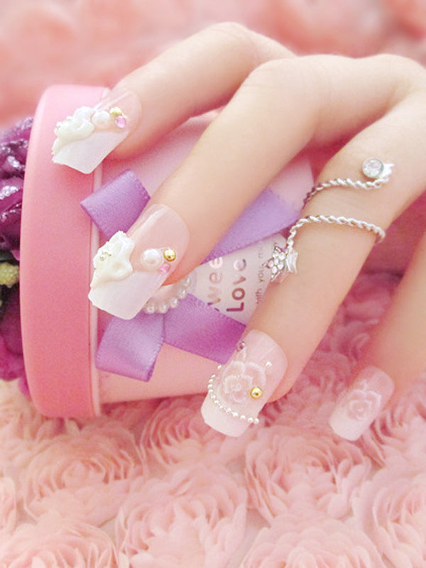 Laceshe Cute Beaded Floral Fake Nail Tips
