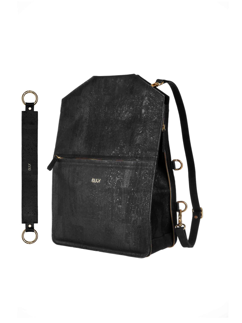 Black multifunctional backpack in cork with gold details and a wide strap in cork with gold details