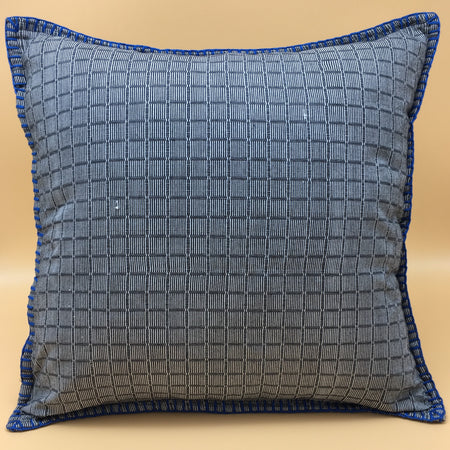 Binacol mat accent pillow