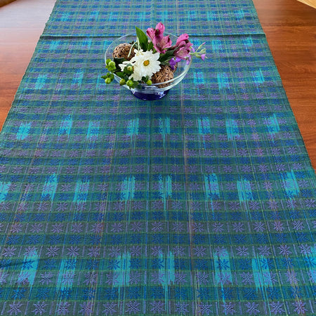 Sungkit table runner