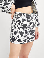Pocket Patched Graphic Print Skirt