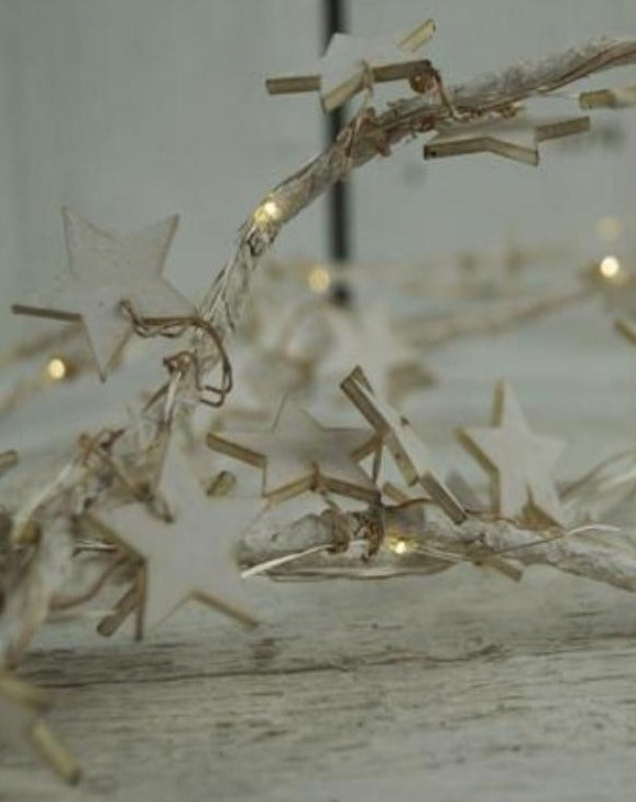 Whitewashed LED Christmas Star Garland
