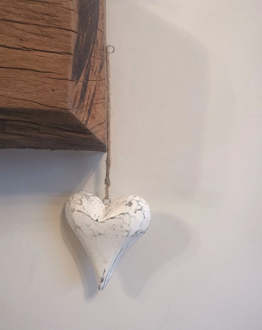 Hanging Rustic White Heart - TBI