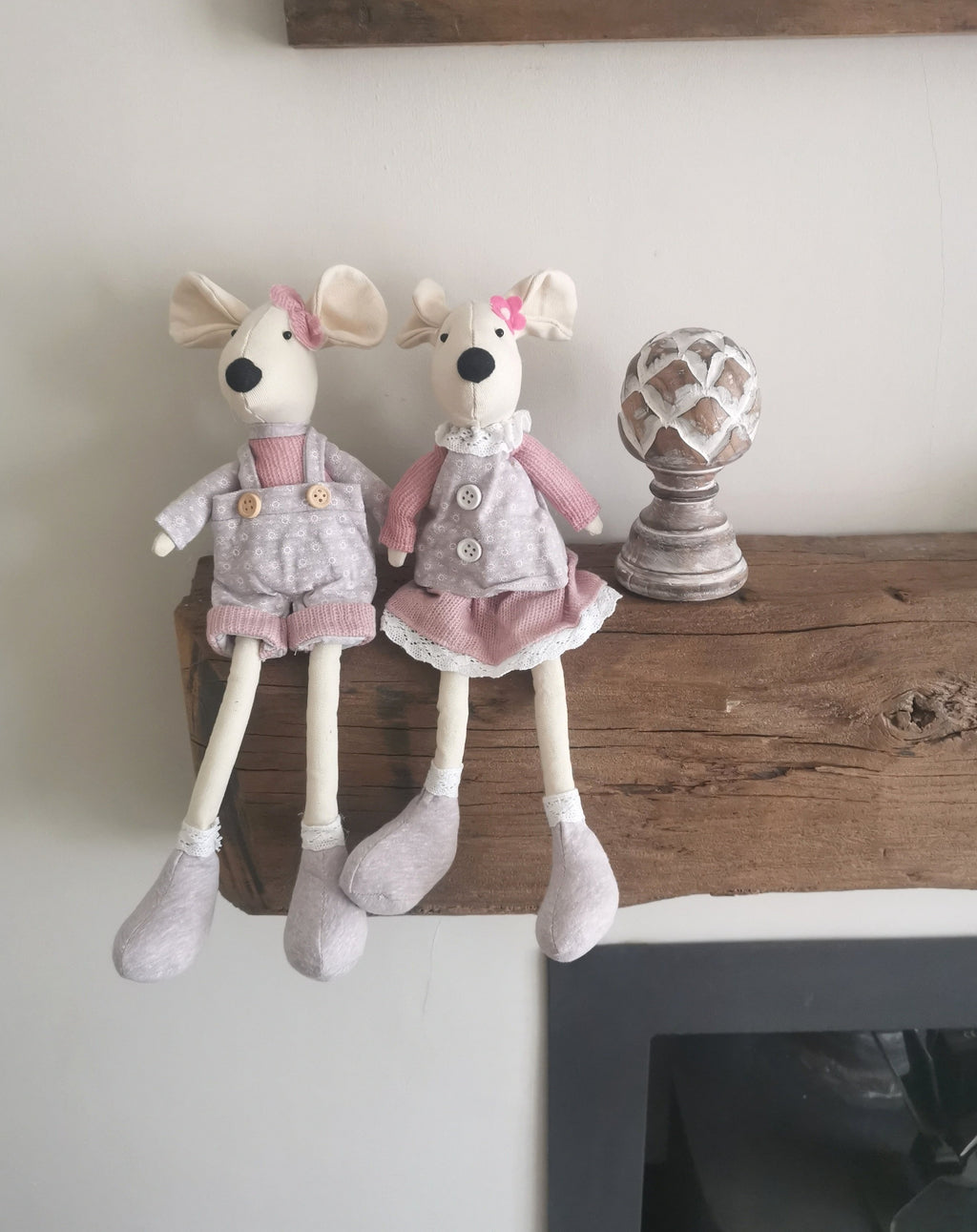 Mia & Mylo Mouse - The Burrow Interiors