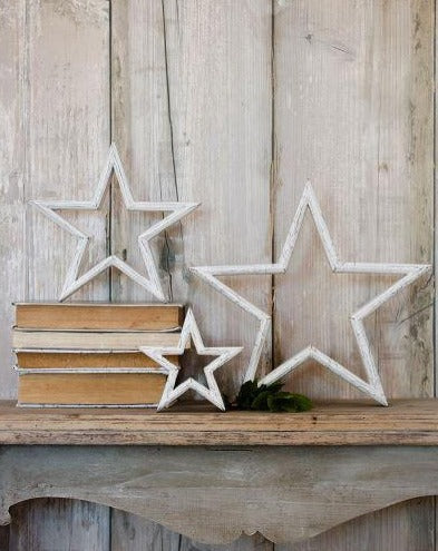 Set of 3 White Wooden Stars - The Burrow Interiors