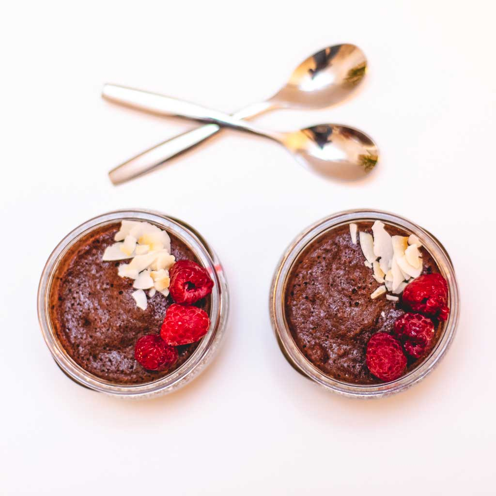 Chocolate and argan mug cake
