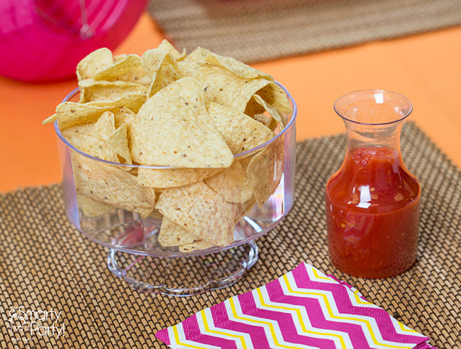 A Cinco de Mayo styled dinner party, isn't complete without chips and salsa! | Smarty Had A Party