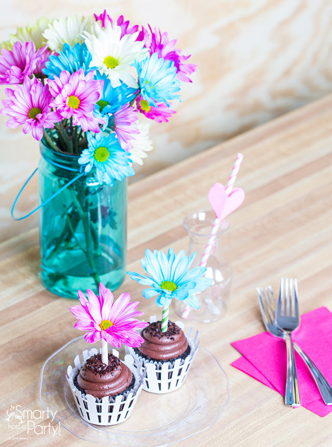 Flower Pot Cupcakes are perfect for Mother's Day! | Smarty Had A Party