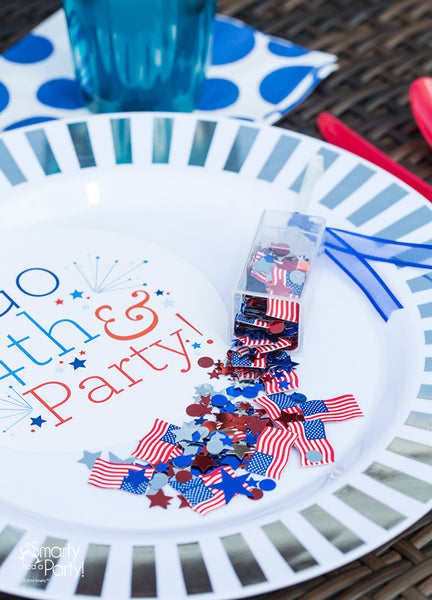 Fill mini push pops with patriotic confetti! Fourth of July Party | Smarty Had A Party
