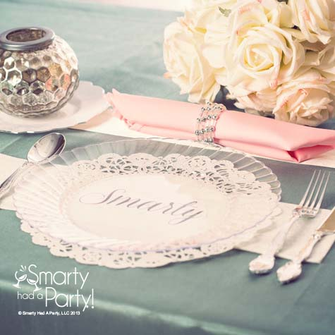 clear-plastic-plate-place-setting