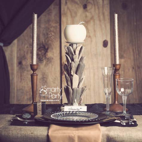 elegant-rustic-table-place-setting-barn-wedding