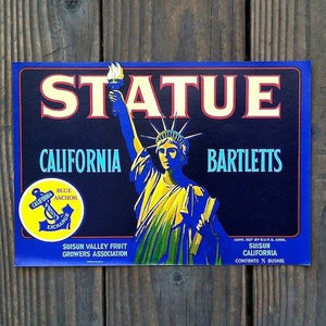 STATUE CALIFORNIA BARTLETTS PEAR Fruit Crate Box Label