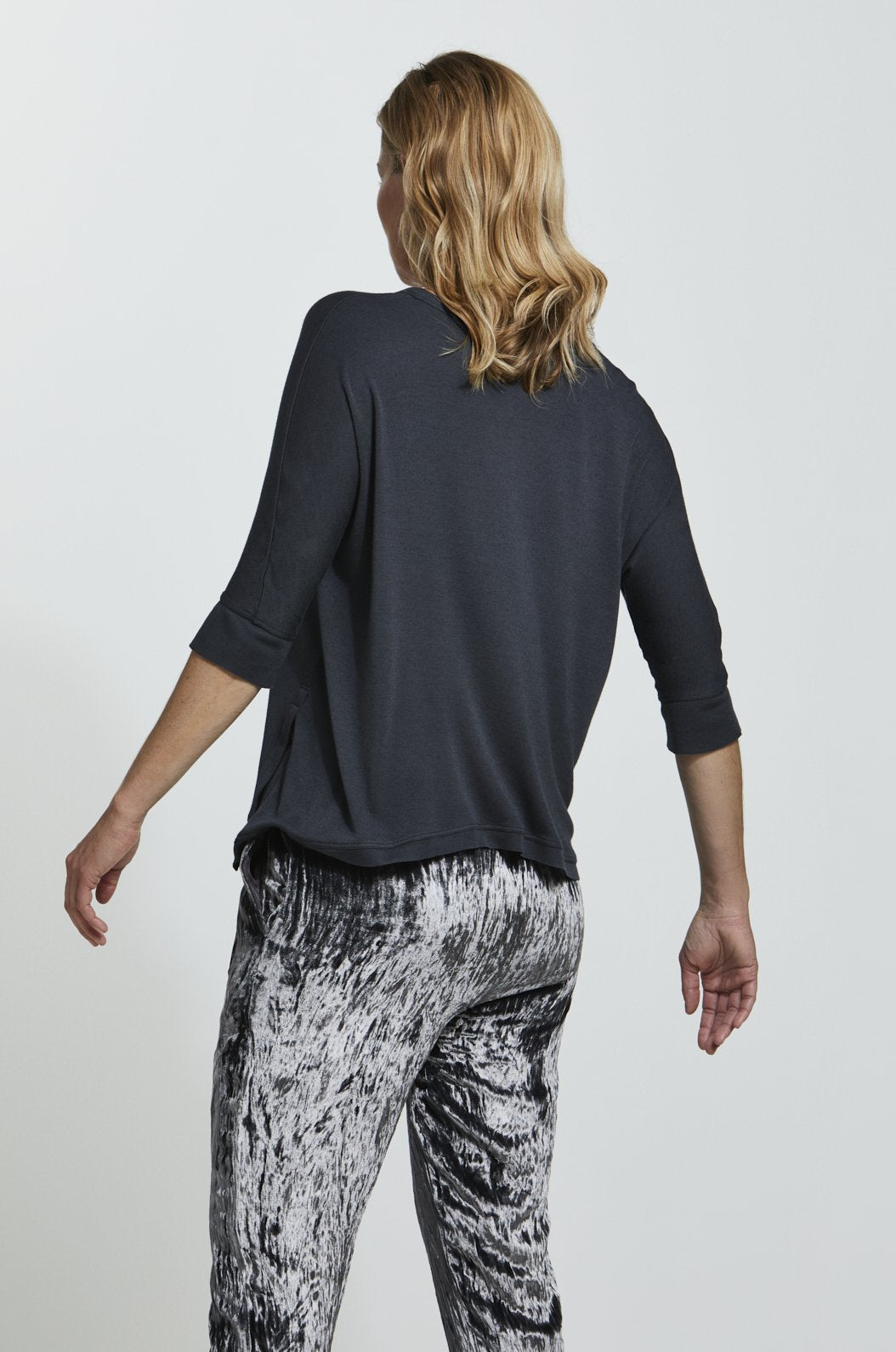 Luxury loungewear - LIGHTWEIGHT CASHMERE BLEND ASYMMETRIC T | ROYL