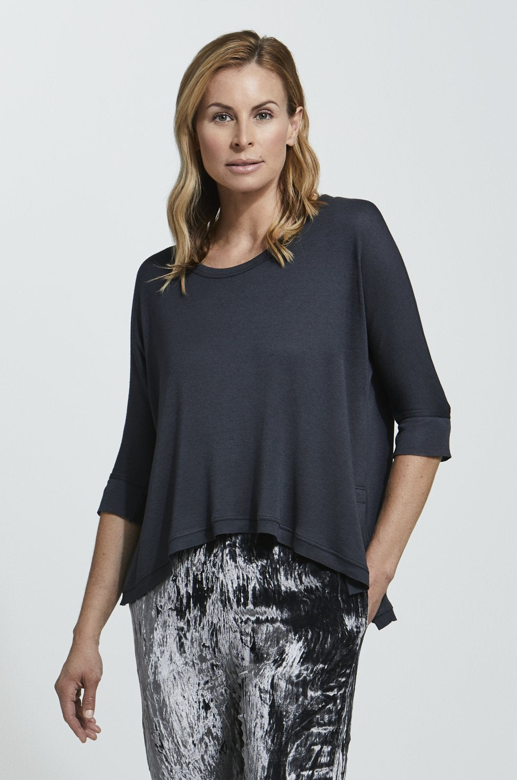ROYL NYC | Luxury loungewear - LIGHTWEIGHT CASHMERE BLEND ASYMMETRIC T | ROYL