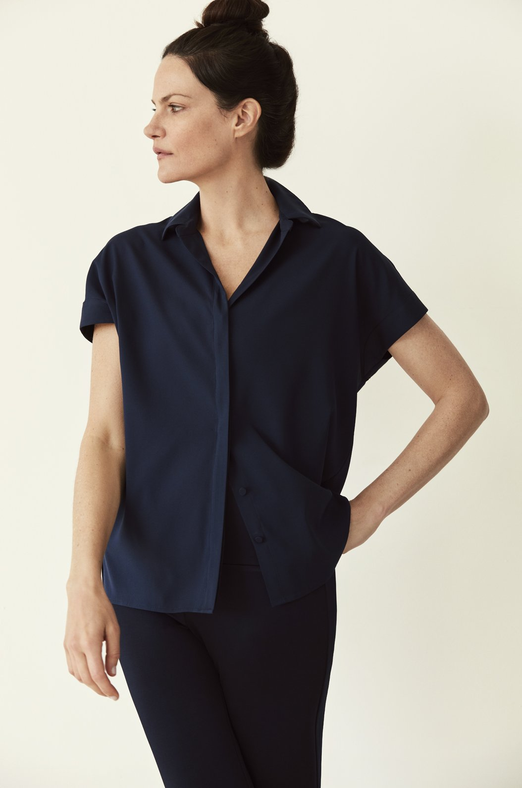 Luxury loungewear - SILK TWILL SHORT SLEEVE BUTTON DOWN