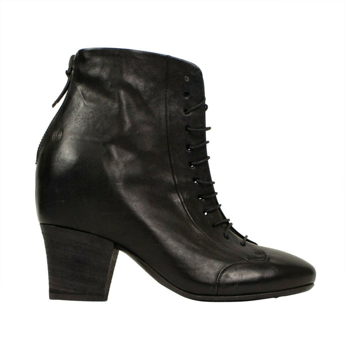 Scavata Leather Lace Up Ankle Boots - Black