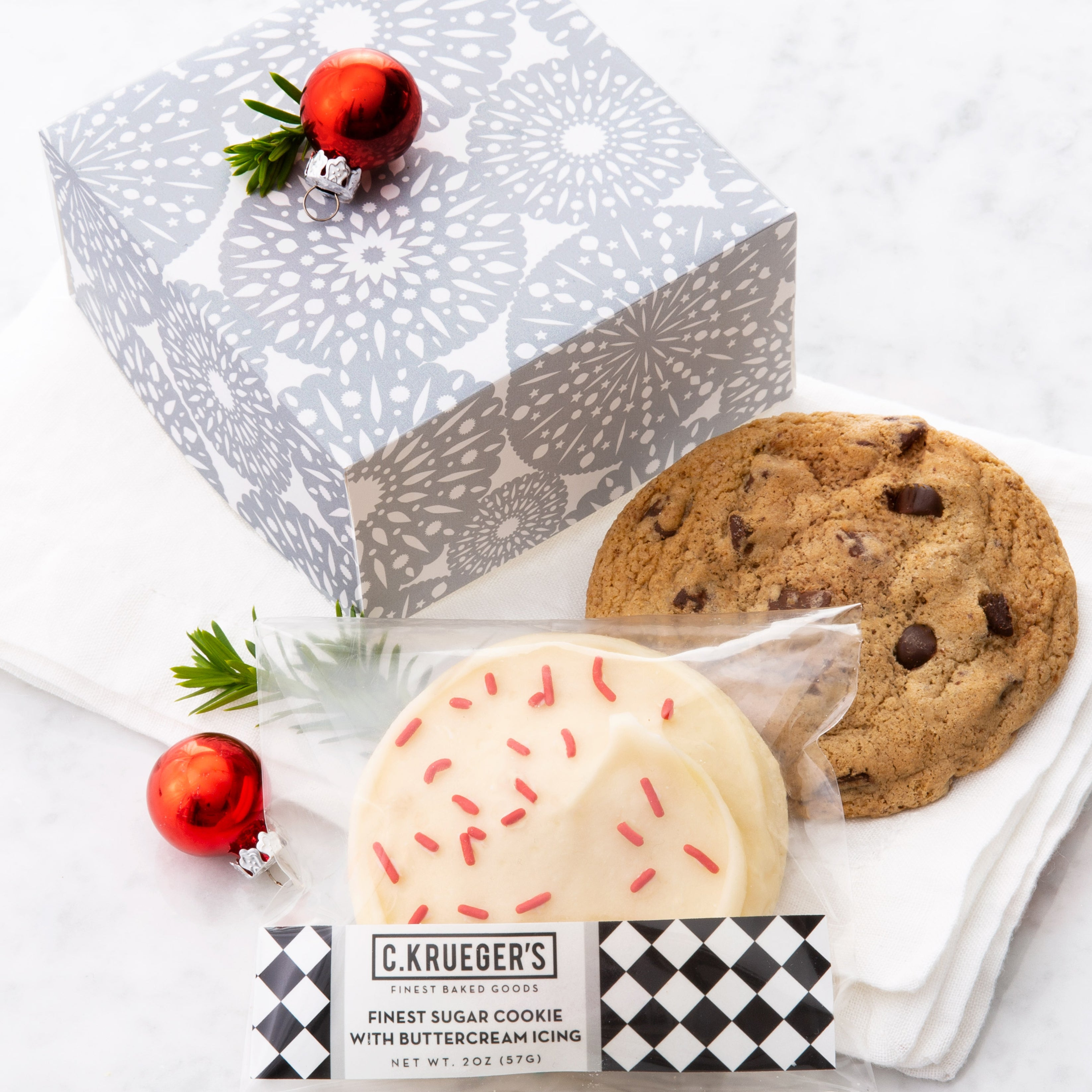Cookies Are Best When Shared in a Silver Snowflake Box 25/case