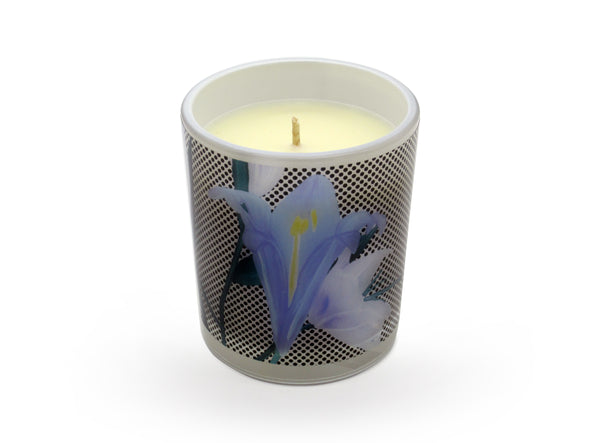 Wild Flower Candle by Lisa & Alex. Without even leaving your home enjoy the wonderful fragrances of the wild flowers of the outback. A marvellous combination of pure essential oils of Rosewood, Bergamot, Jasmine and Ylang-Ylang that create a sophisticated and inspiring fragrance for everyone to enjoy.