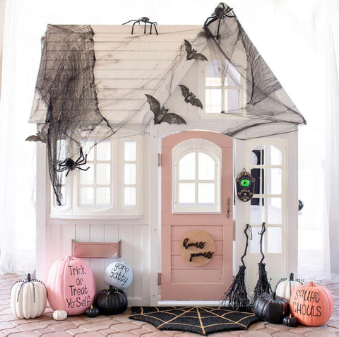halloween decorated playhouse