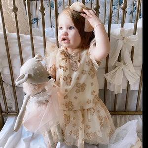 'Daisy' Doe Heirloom Doll - Ellie and Piper