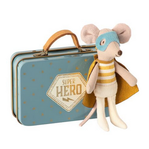 Superhero Mouse - Little Brother in a Suitcase - Ellie and Piper