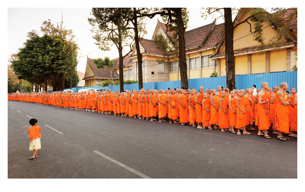 Monks procession in Phnom Penh (59x37cm)
