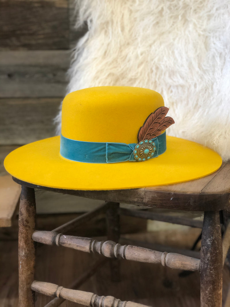Charlie 1 Horse Nomad Yellow - Allure Boutique WY