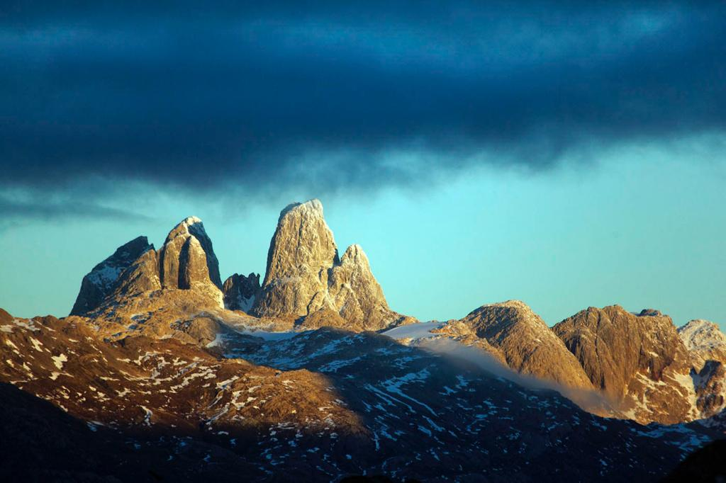 false towers, climbing, adventure, patagonia, photography