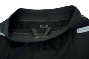 Black compression shorts with patented fully seamless front and pockets. Drawstring.
