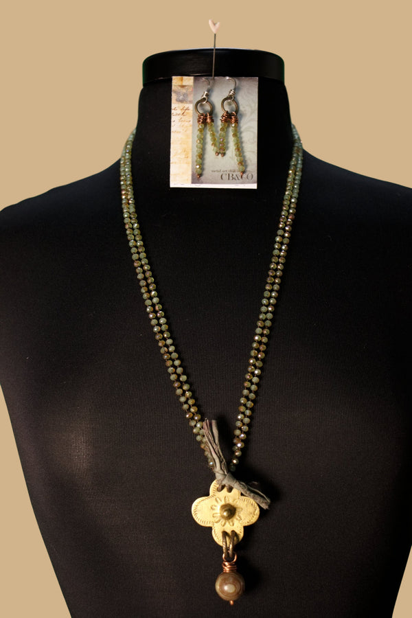 N4467 Antique Flower Power Necklace