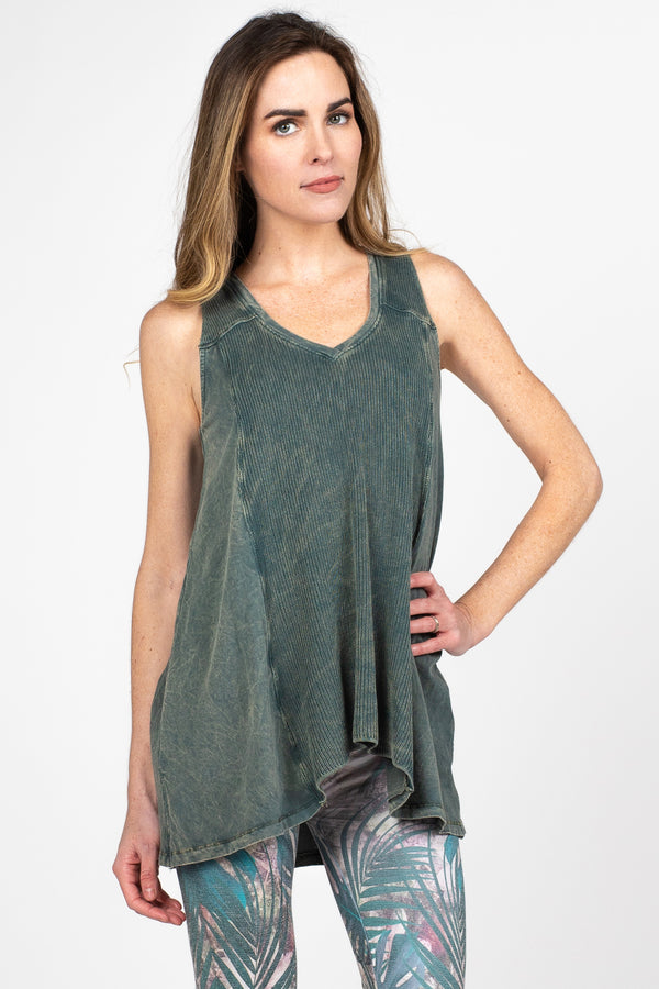 V4589A M.Rena V-Neck Sleeveless Sweater Tunic Mineral Wash Contrast Fabric