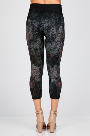 B4438E  Capri/Short Distressed Aqua Floral Leggings