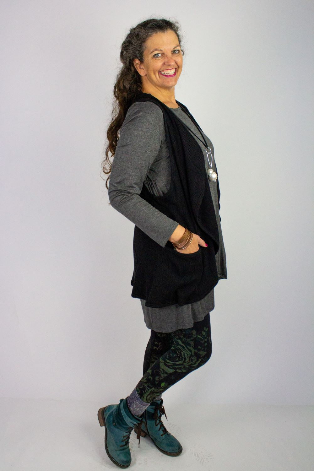 W090 Waffle Pocket Vest with Pockets