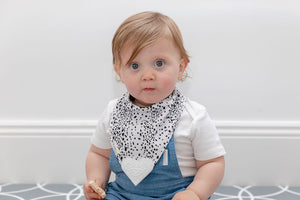 Organic Chew Reversible Bib Bee - Speckles & Arrows - Little Bee & Me