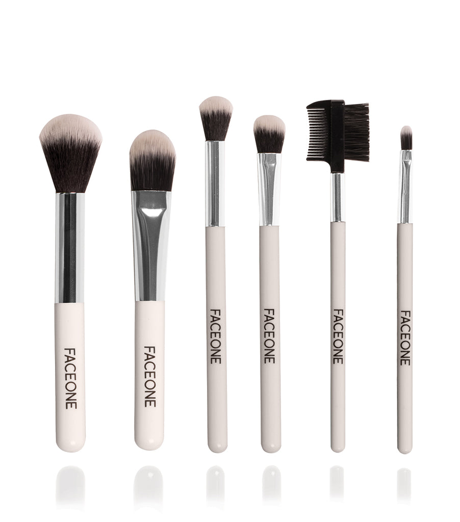 7 Piece Make Up Brush Set with Bag - White