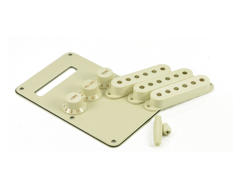 Fender® Stratocaster Accessory Kit - Parchment