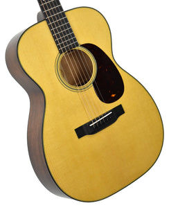 Martin 00-18 in Natural 2247588 Front Angle 1