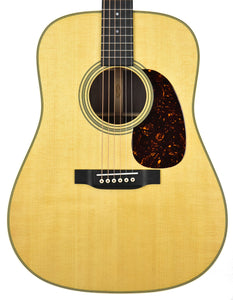 Martin D-28 (2017) in Natural 2247673 Front Close