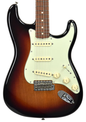 Fender Vintera 60s Stratocaster Three Tone Sunburst MX19033475
