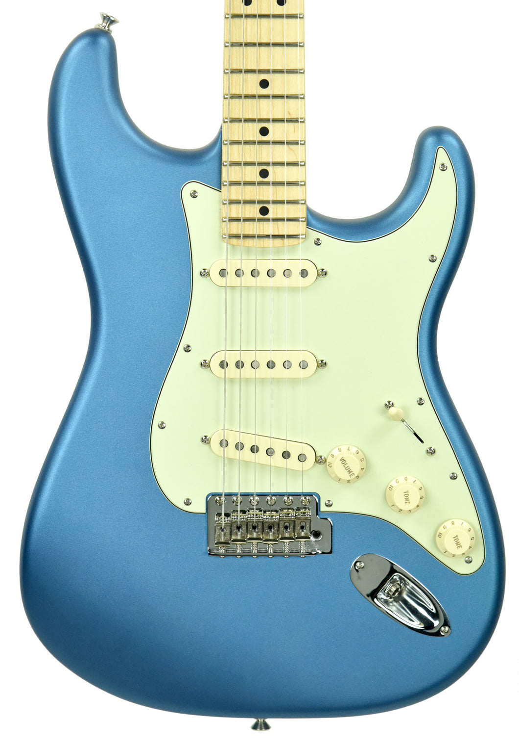 Used Fender American Performer Stratocaster in Satin Lake Placid Blue US18103687