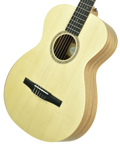Taylor Academy 12e-N Nylon Acoustic Guitar in Natural 2112099500