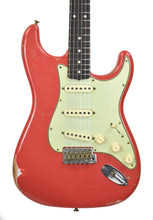 Fender Custom Shop Stratocaster 1961 Relic in Fiesta Red front close