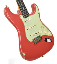 Fender Custom Shop Stratocaster 1961 Relic in Fiesta Red front angle 1