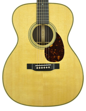 Martin OM-28 Acoustic Guitar in Natural