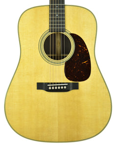 Martin D-28 Acoustic Guitar in Natural 2371430