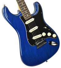 Used Fender Custom Shop Custom Deluxe Stratocaster in Sapphire Blue Trans R61895 - The Music Gallery